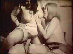 Vintage: 60s Threesome big breasted blonde and brunette