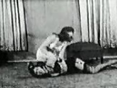 Betty Page - Catfight - Vintage Bondage