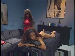 Sexy massage turns to lesbian