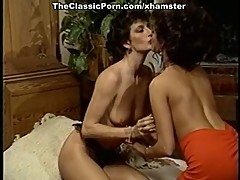 Lesbi orgasm on retro movie